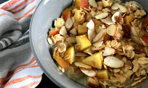 Vanilla Chai Oats with Apple and Almond