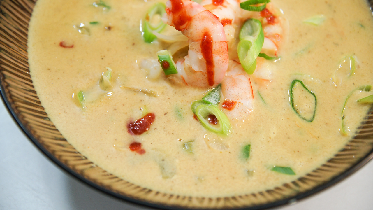 Curried Cauliflower Soup with Shrimp